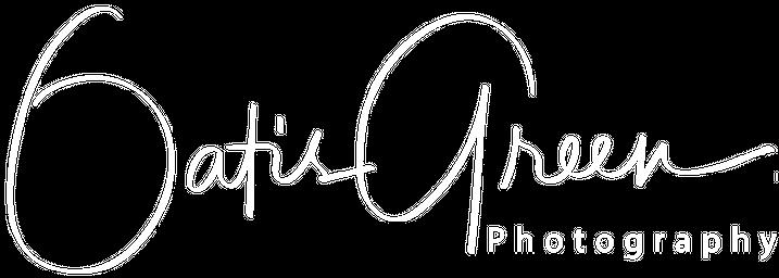 Oatis Green Photography Company Logo
